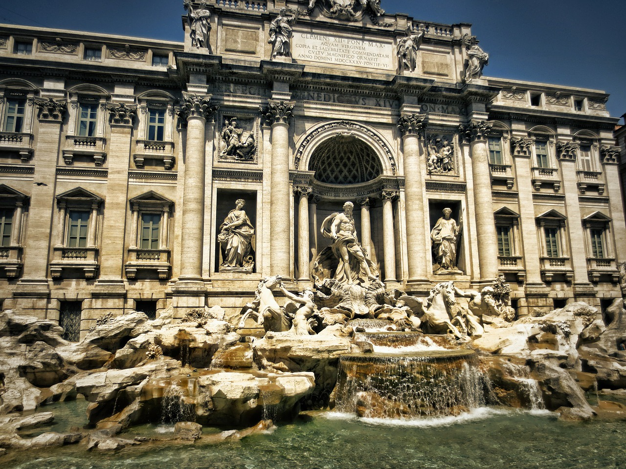 trevi fountain rome affordable travel italy organized group tour